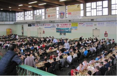 206 giocatori, 250 partecipanti, pubblico 300 persone
